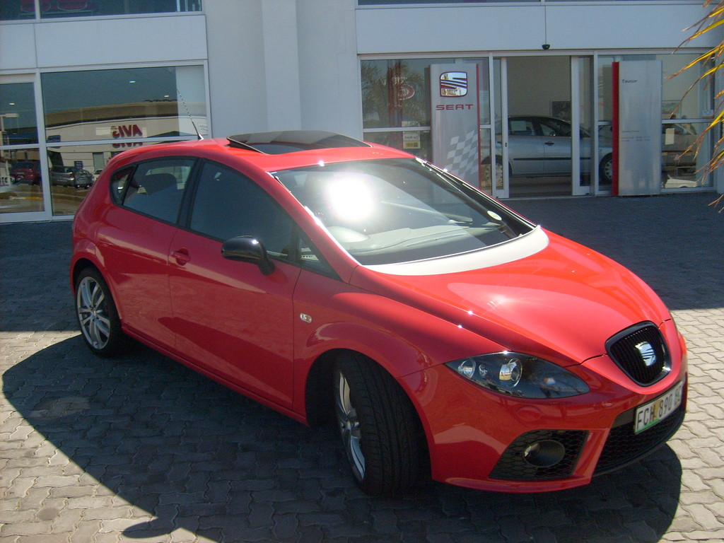 Supervan2 2008 seat leon specs photos modification info at cardomain - Seat leon interior ...