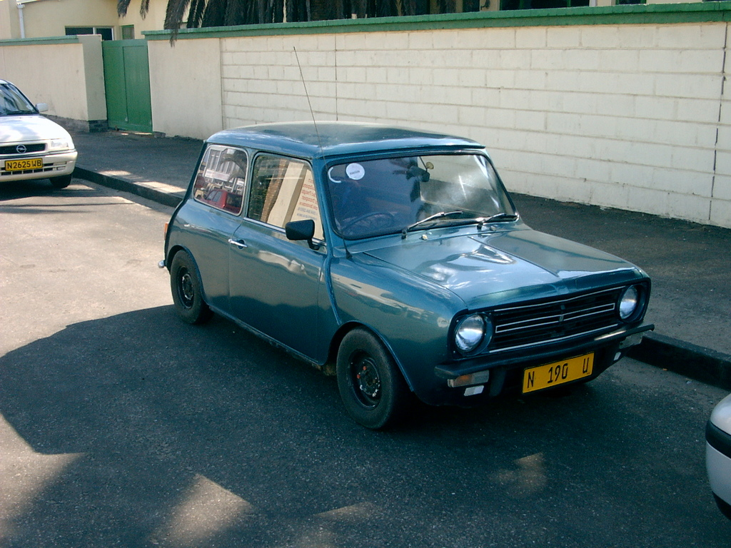 Nizzano 1976 Mini Clubman Specs Photos Modification Info At Cardomain