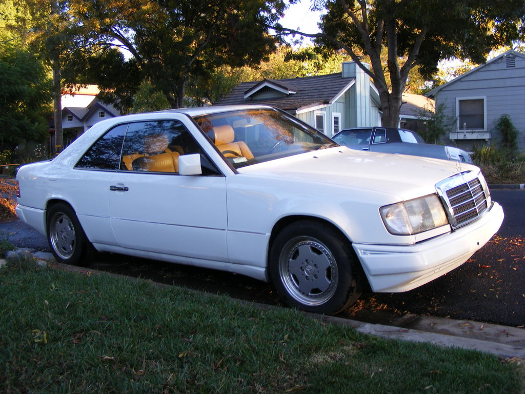 Pifcat2 1990 mercedes benz 300e specs photos for How much is a 1990 mercedes benz worth