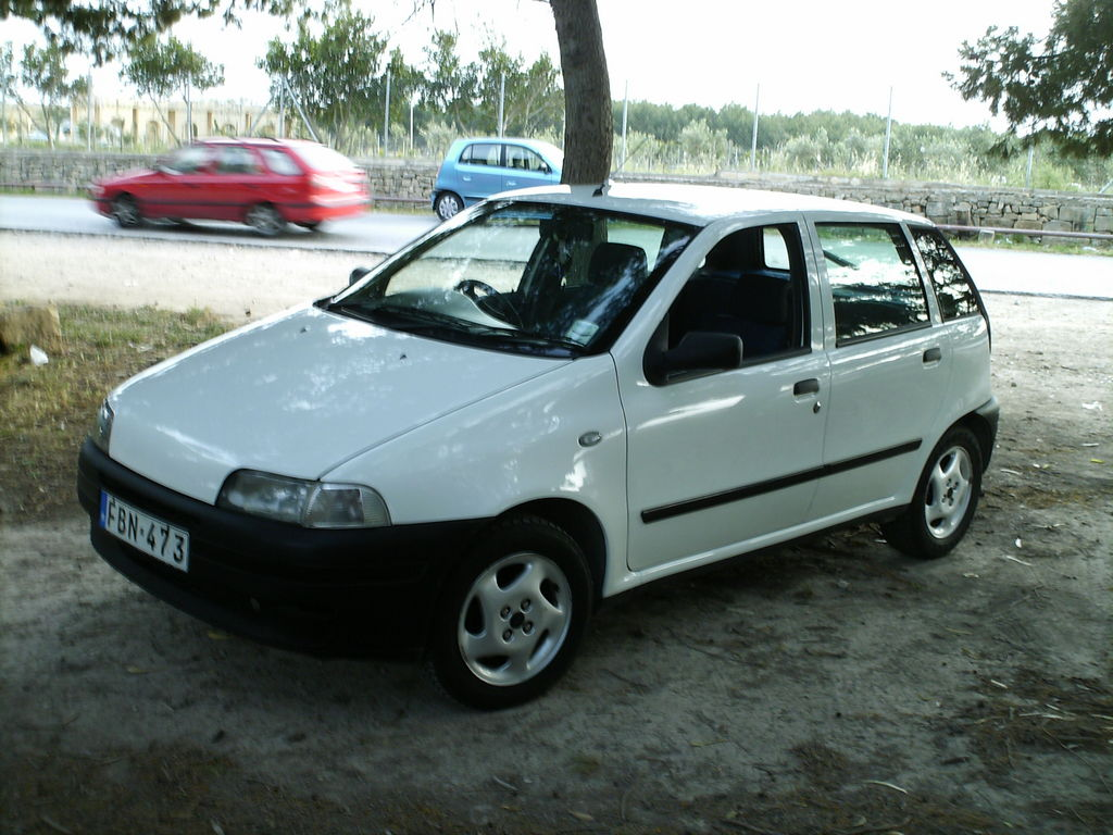 puntoboymalta 1999 fiat punto specs photos modification info at cardomain. Black Bedroom Furniture Sets. Home Design Ideas