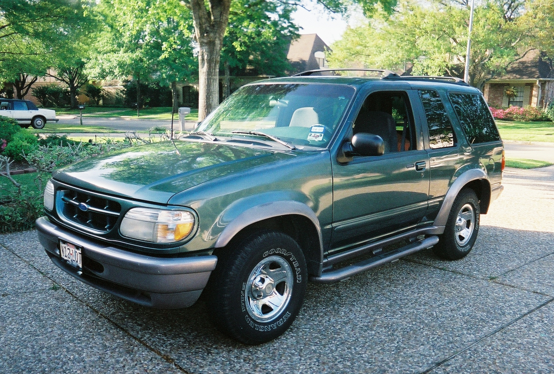 slowbutsho 1997 ford explorer sport specs photos modification info at cardomain. Black Bedroom Furniture Sets. Home Design Ideas