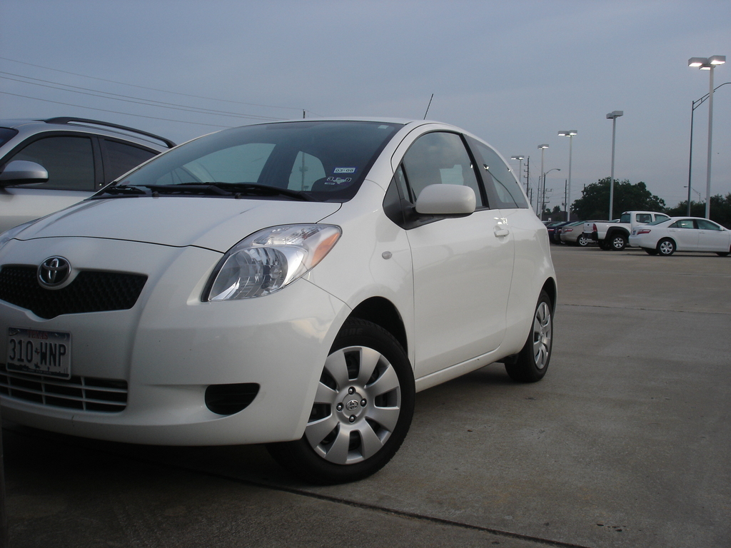 jt255 39 s 2007 toyota yaris page 3 in houston tx. Black Bedroom Furniture Sets. Home Design Ideas