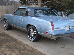 06IMPALA22s 1986 Oldsmobile Cutlass Supreme