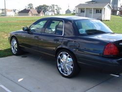 beezy317s 2005 Ford Crown Victoria