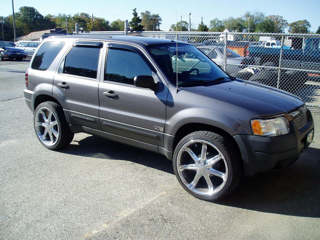 TRSRingo's 2003 Ford Escape