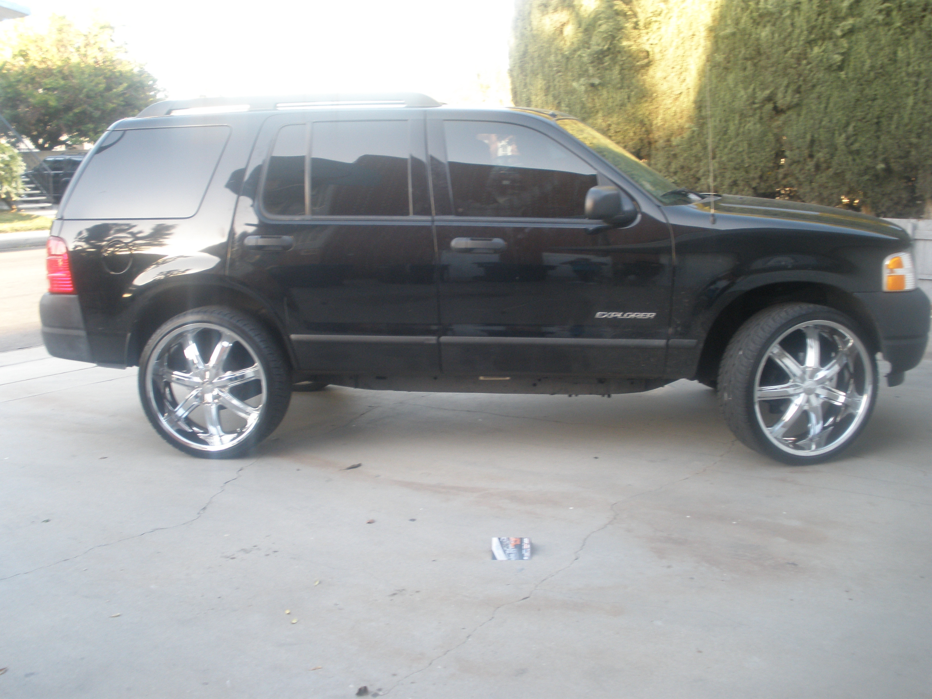 money_376 2005 Ford Explorer 12156980