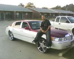 MiAmIz_FiNeSts 2000 Lincoln Town Car