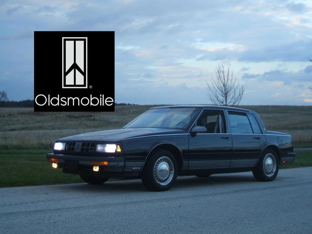 Chrisolds 1990 Oldsmobile Touring Sedan