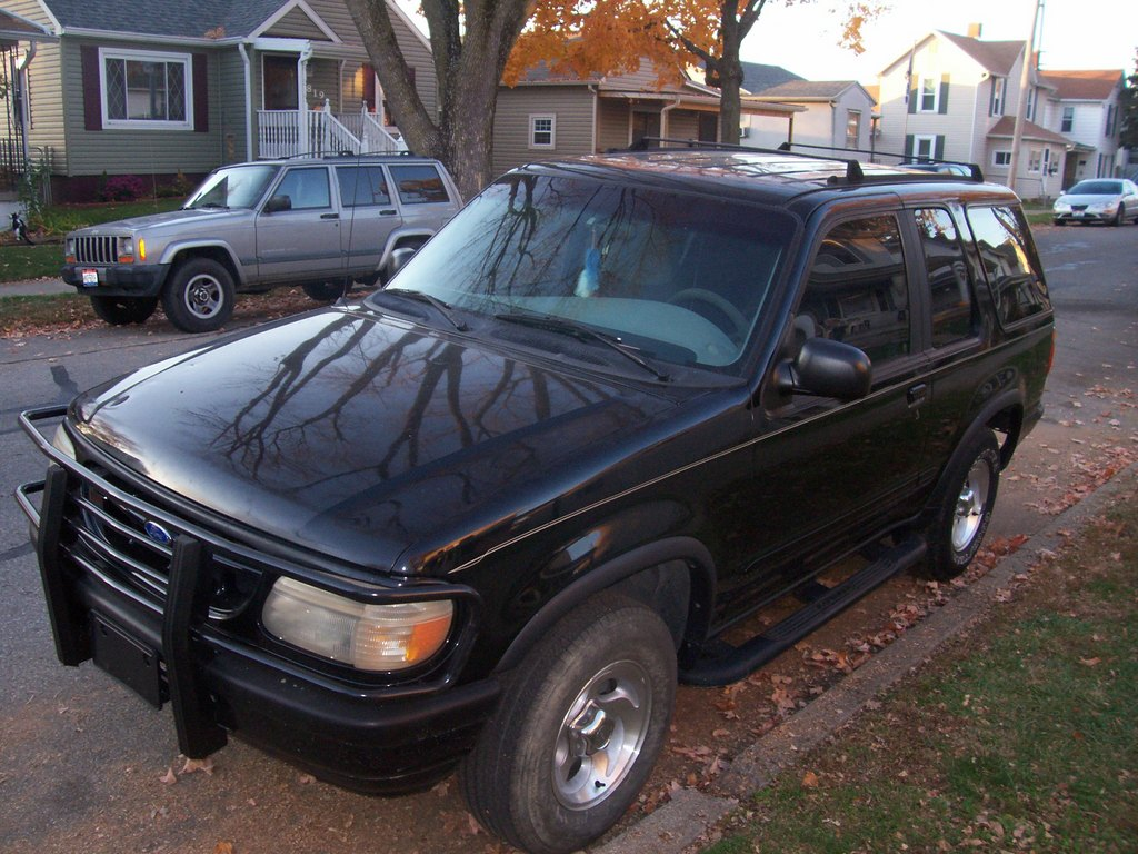 Another weaselschaingang 1996 Ford Explorer Sport post... - 12182928