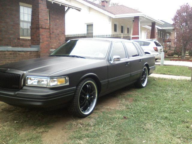 Chuamuniz86 1995 Lincoln Town Car Specs Photos Modification Info