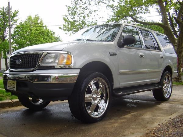 RKibler76 2001 Ford Expedition 12210124