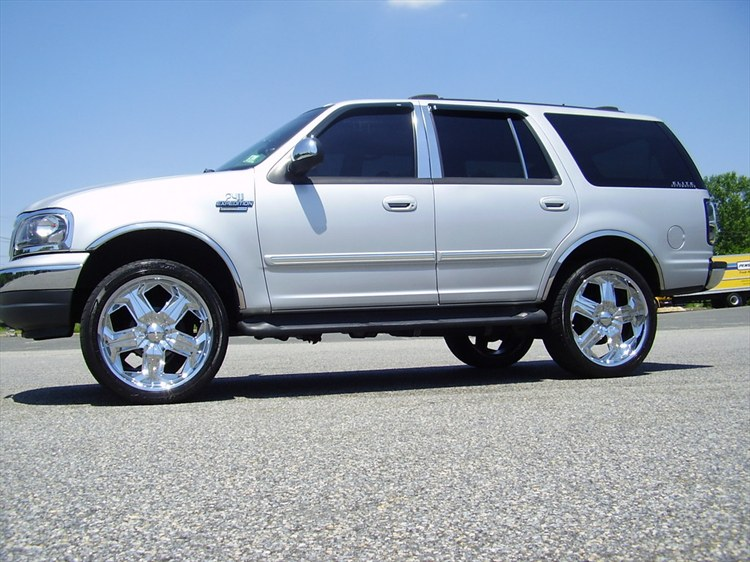 RKibler76 2001 Ford Expedition 12210130