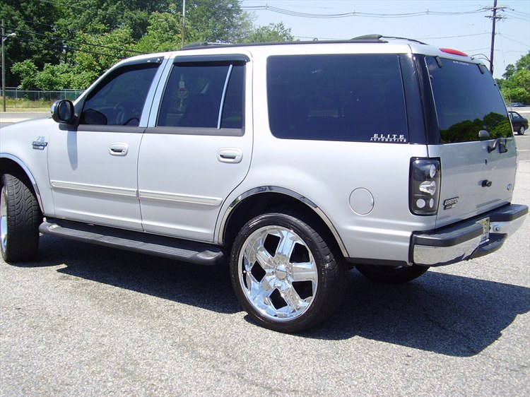 RKibler76 2001 Ford Expedition 12210135