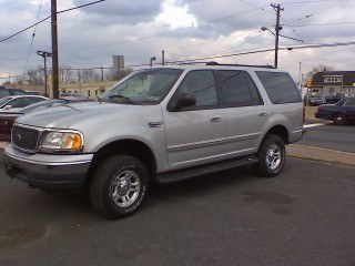 RKibler76 2001 Ford Expedition 12210136