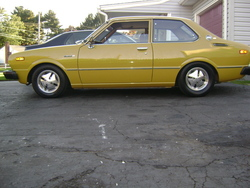 mill3tc22 1976 Toyota Corolla