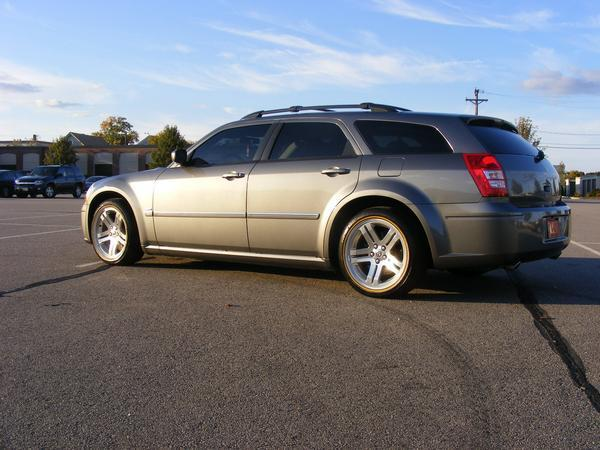 Another oldskee 2005 Dodge Magnum post... - 12213075