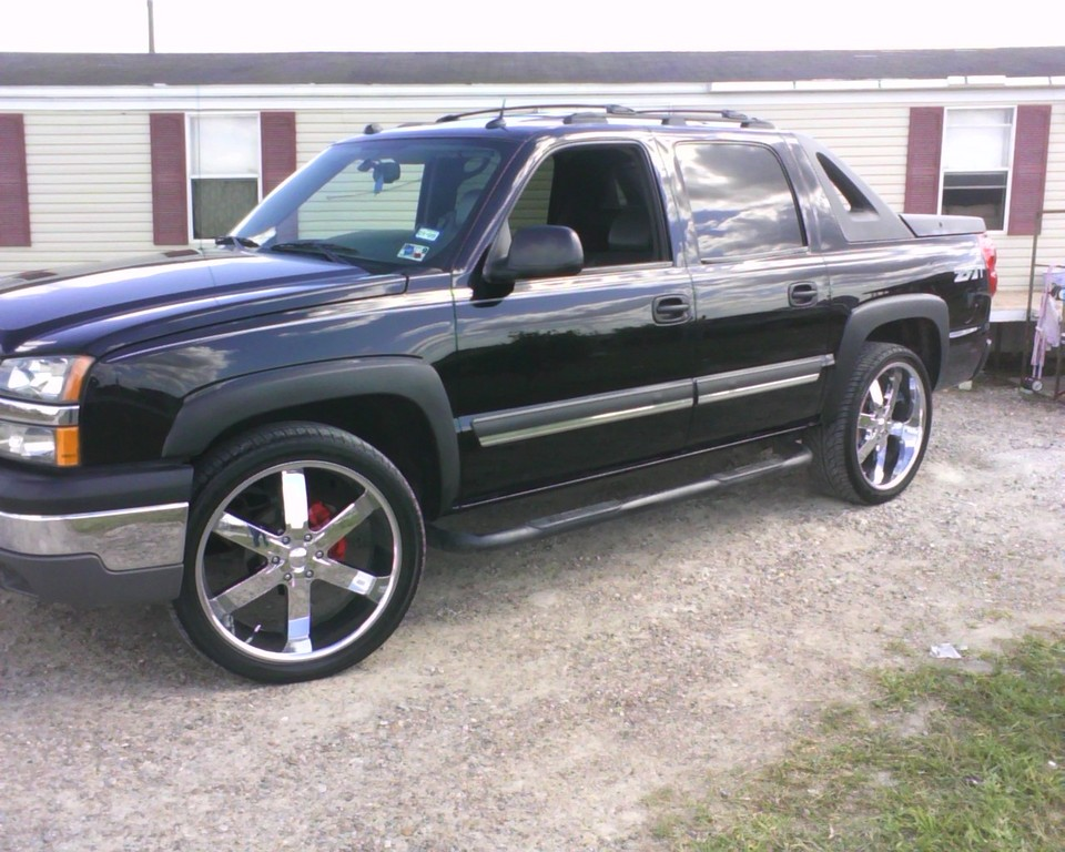 lincoln ls 22s 2004 chevrolet avalanche specs photos modification info at cardomain. Black Bedroom Furniture Sets. Home Design Ideas