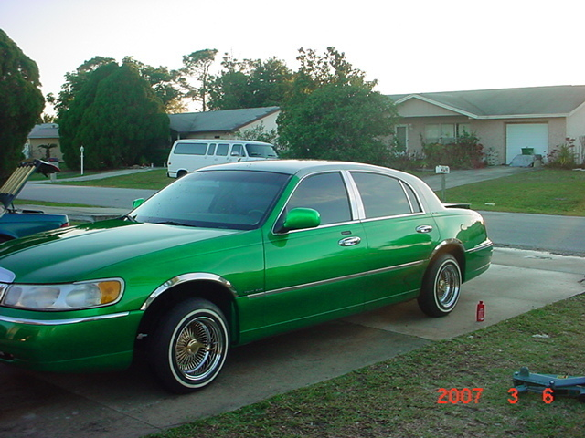 Twiztidmazda 1999 Lincoln Town Car Specs Photos Modification Info