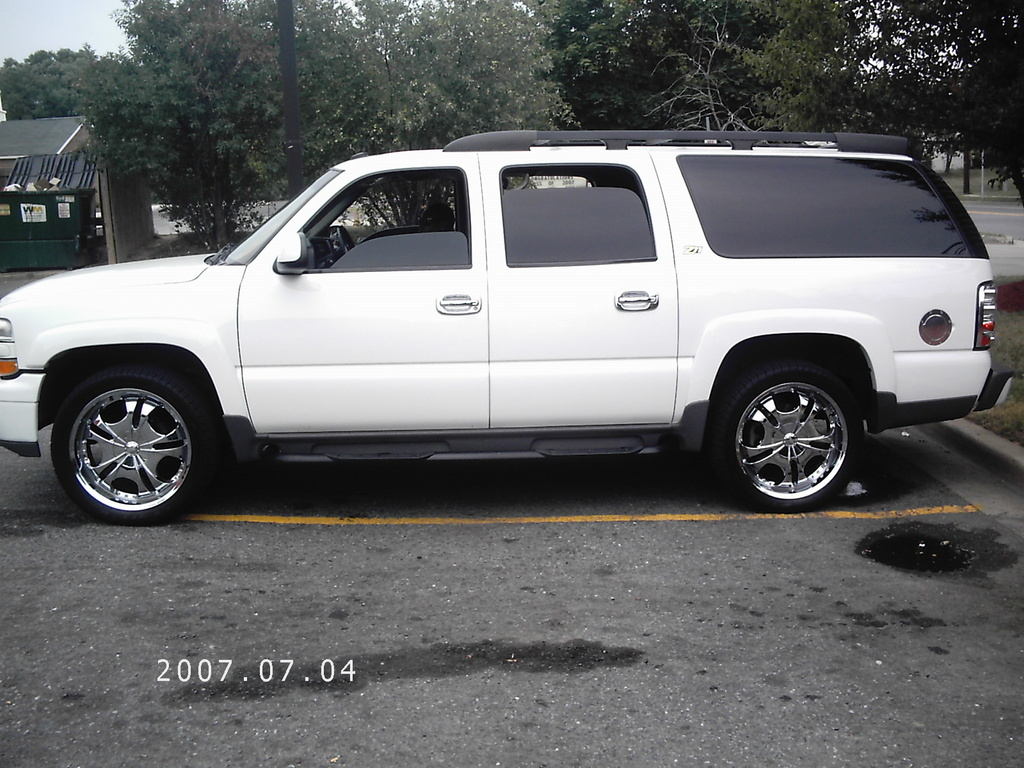 hump0503 2003 chevrolet suburban 1500 31884630001_large