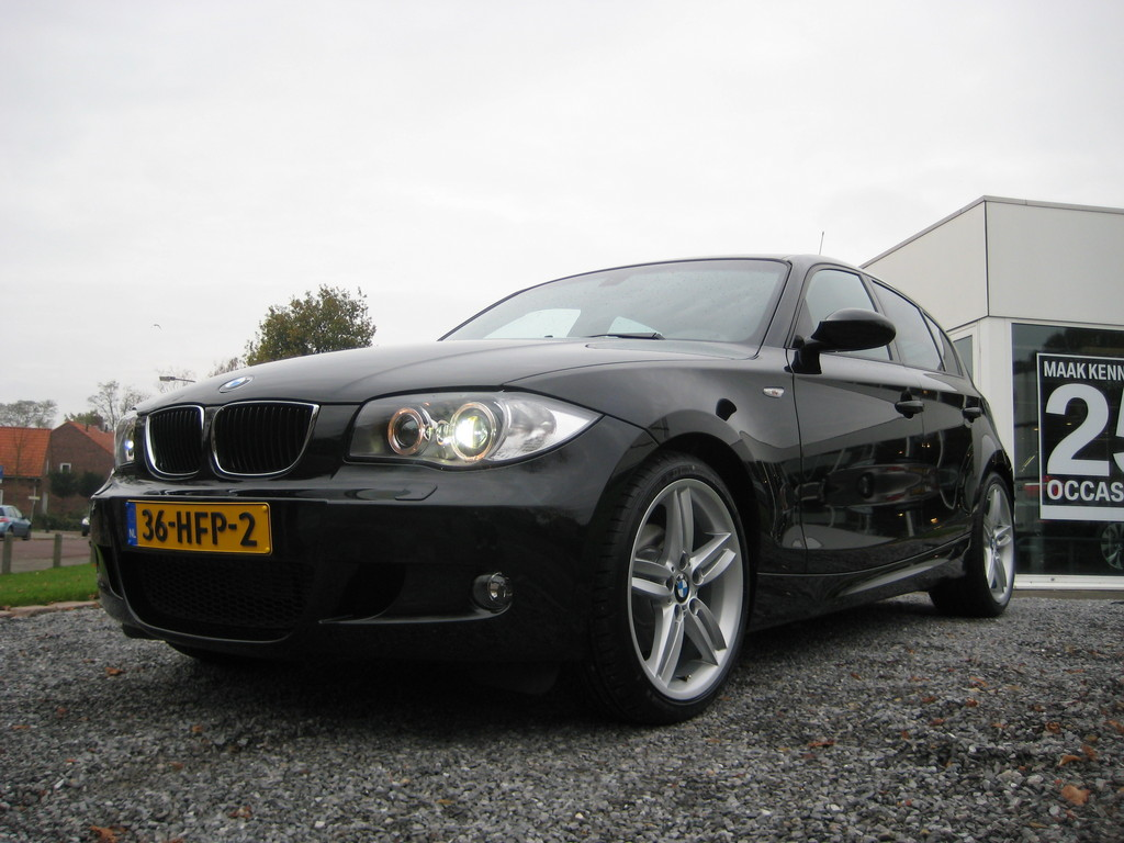 coloredpl 2009 bmw 1 series specs photos modification info at cardomain. Black Bedroom Furniture Sets. Home Design Ideas