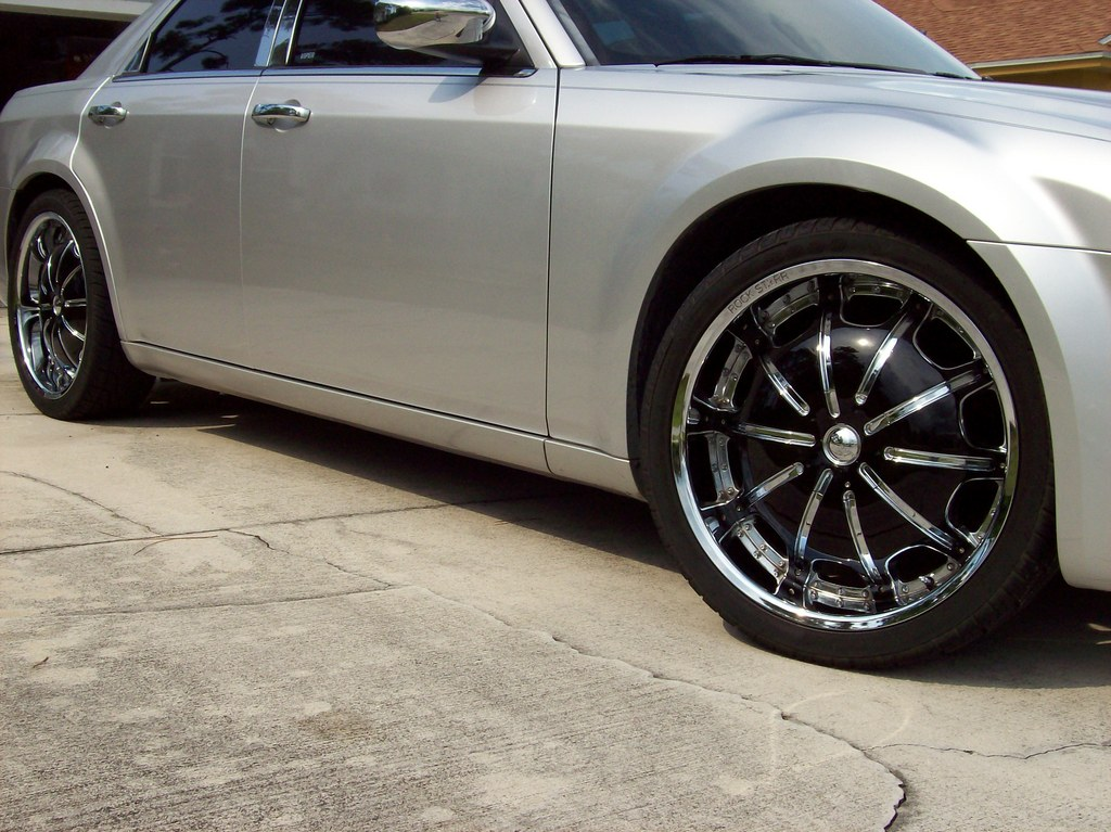 Another c300on22s 2005 Chrysler 300 post... - 12239460
