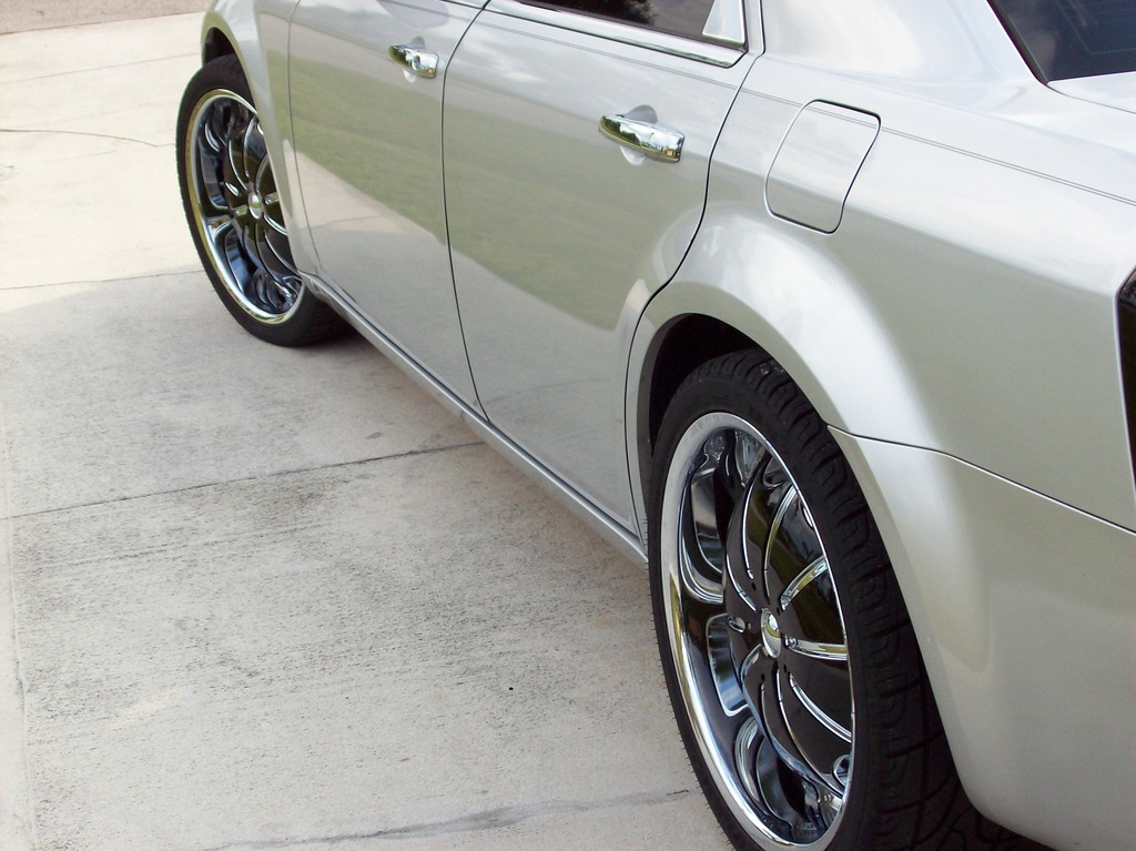 Another c300on22s 2005 Chrysler 300 post... - 12239463