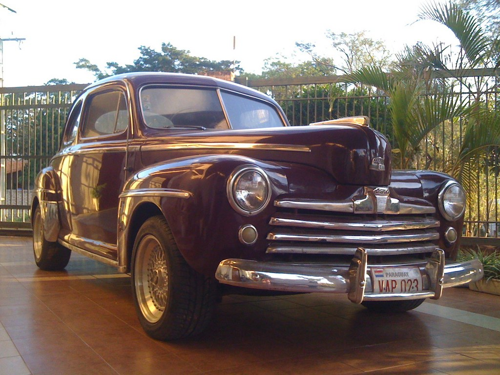 Carlitos991 1946 Ford Deluxe