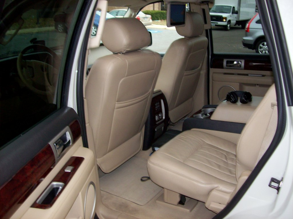 Another travien2002 2005 Lincoln Navigator post... - 12246776