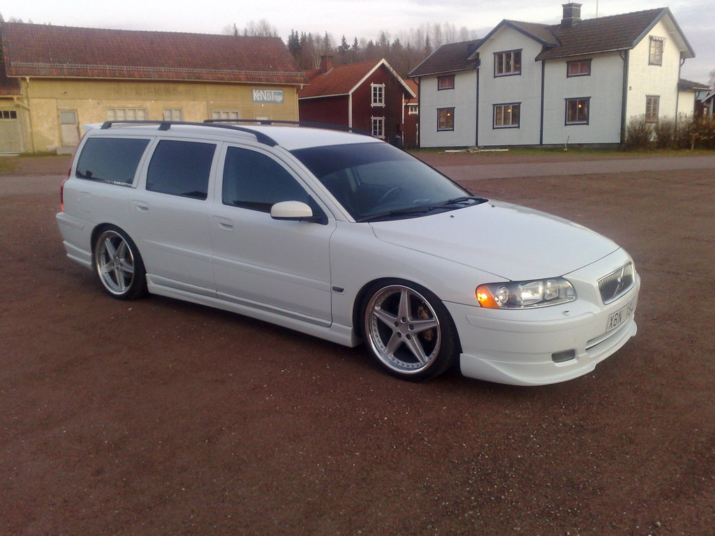 1000 images about volvo verb i roll swedish on pinterest volvo volvo ad and volvo v70r. Black Bedroom Furniture Sets. Home Design Ideas