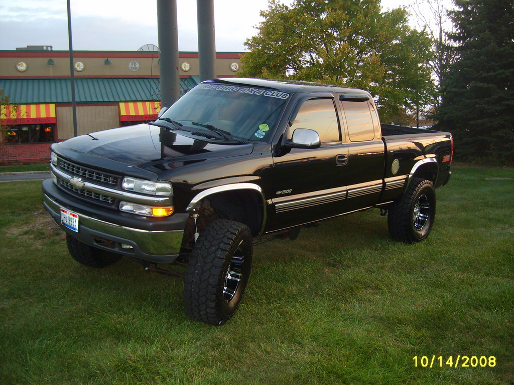 2000 Chevy Silverado Lifted - Viewing Gallery