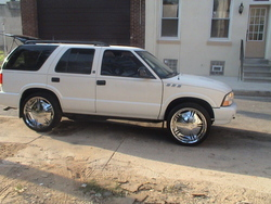 UnclePBeaTz215s 1998 GMC Jimmy