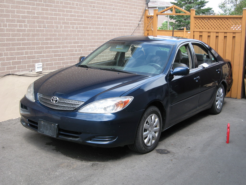 brown knight 39 s 2003 toyota camry in toronto on. Black Bedroom Furniture Sets. Home Design Ideas