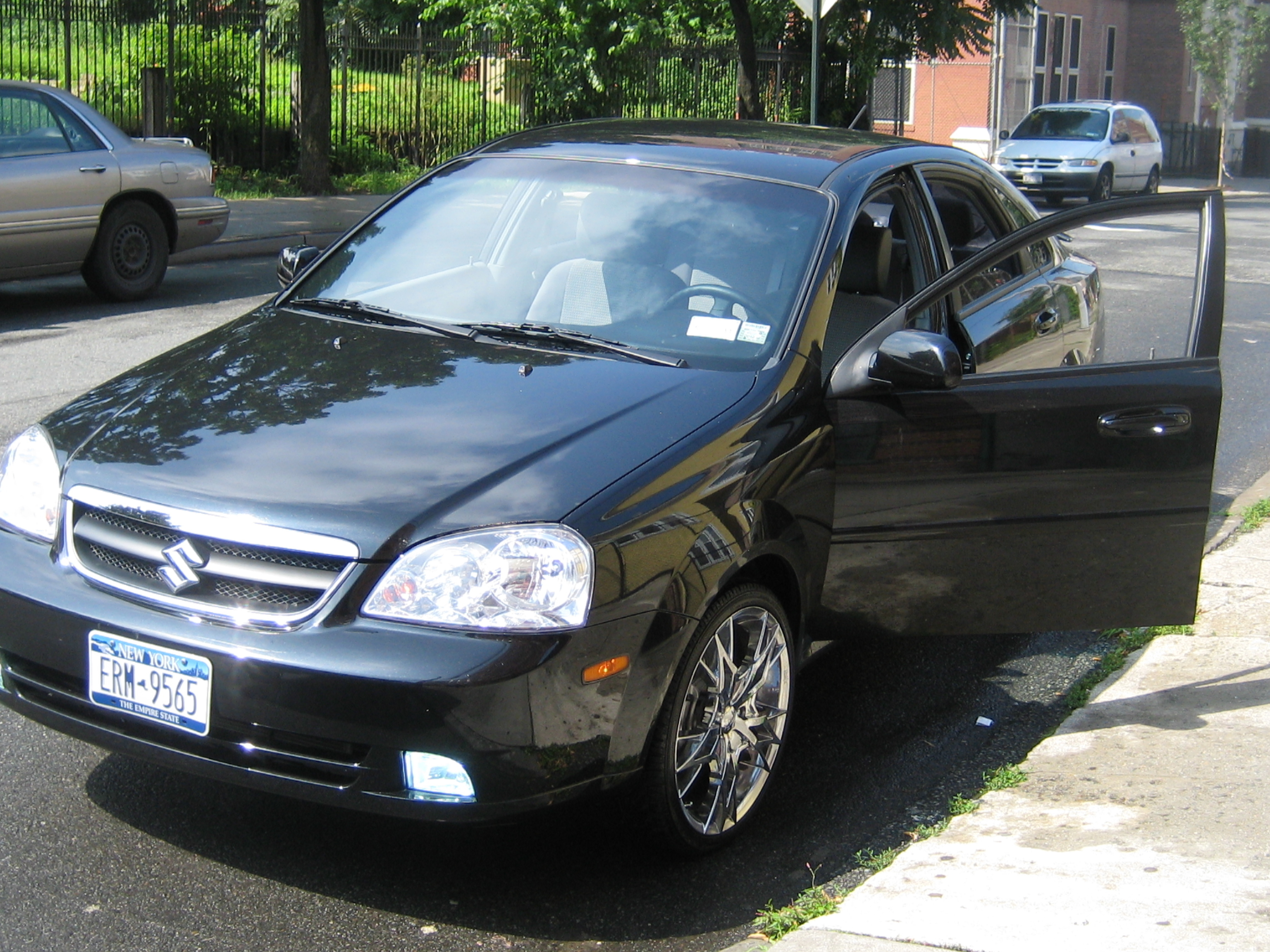 2008 Suzuki Forenza Reviews and Rating | Motor Trend
