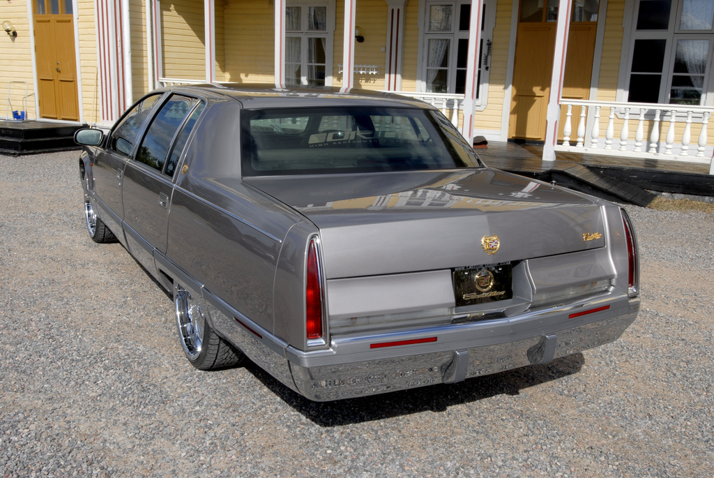 Another nyberg 1995 Cadillac Fleetwood post... - 12322905