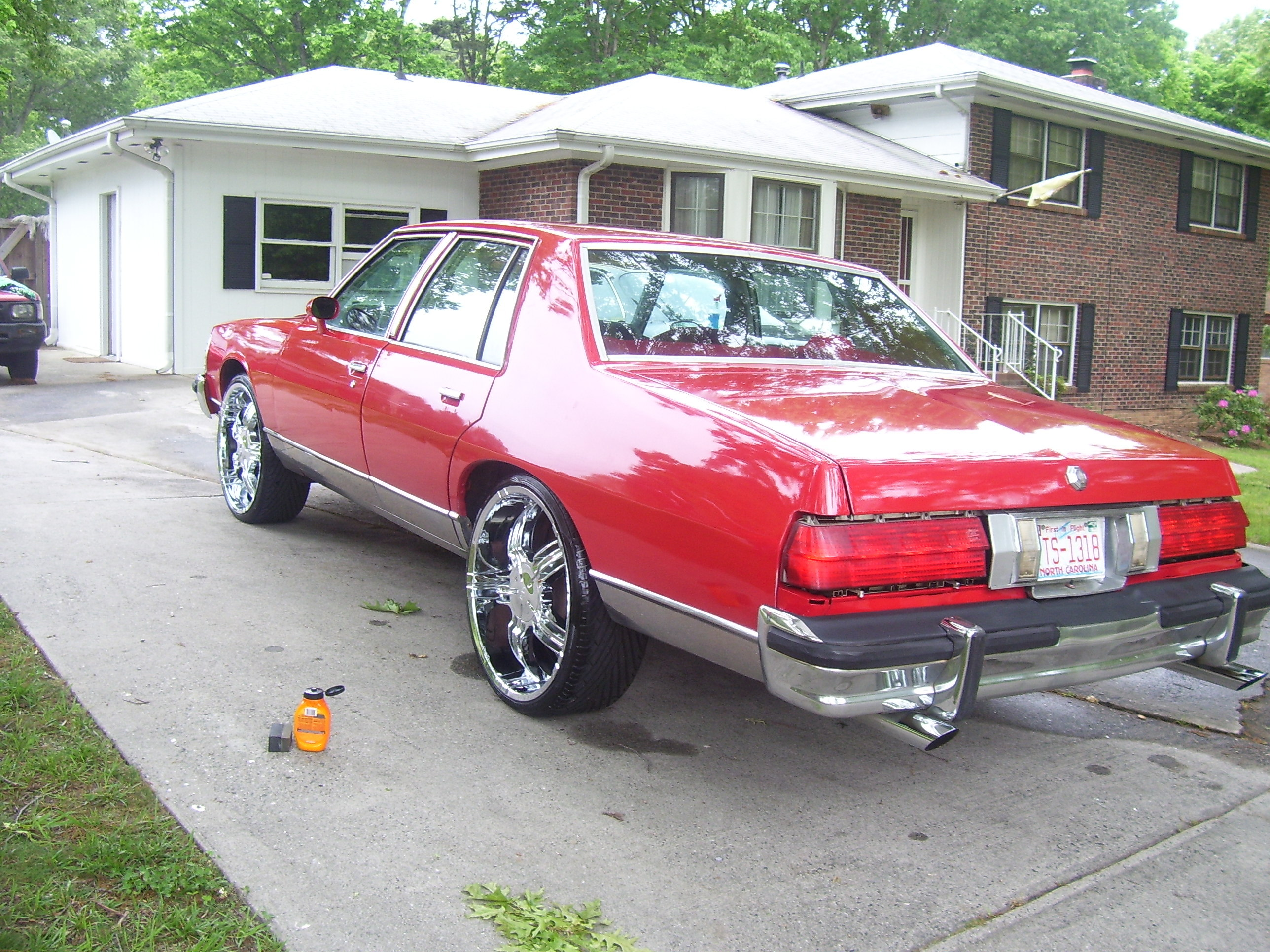 Another T-Will_09 1978 Pontiac Bonneville post... - 12736556