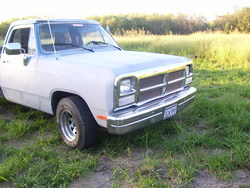 lilcadenas 1988 Dodge D150 Club Cab