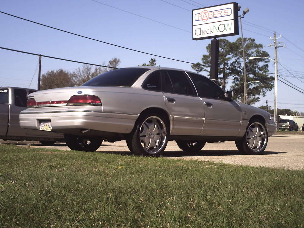NatchezMadePain 1994 Ford Crown Victoria 12451540