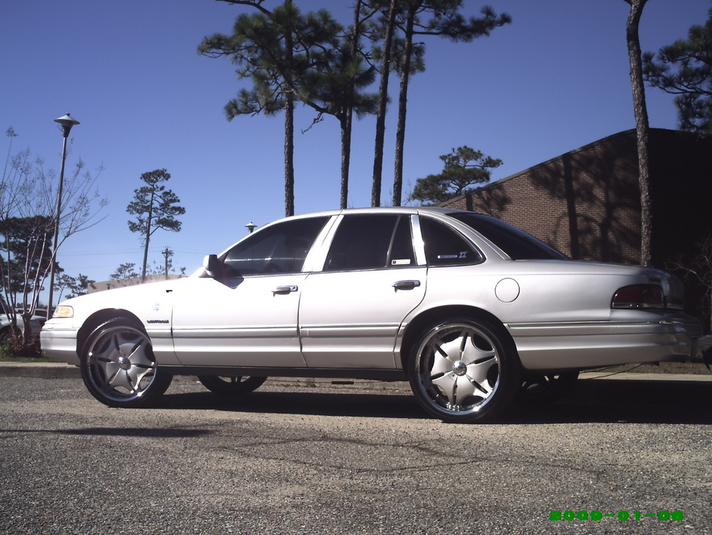 NatchezMadePain 1994 Ford Crown Victoria 12451556