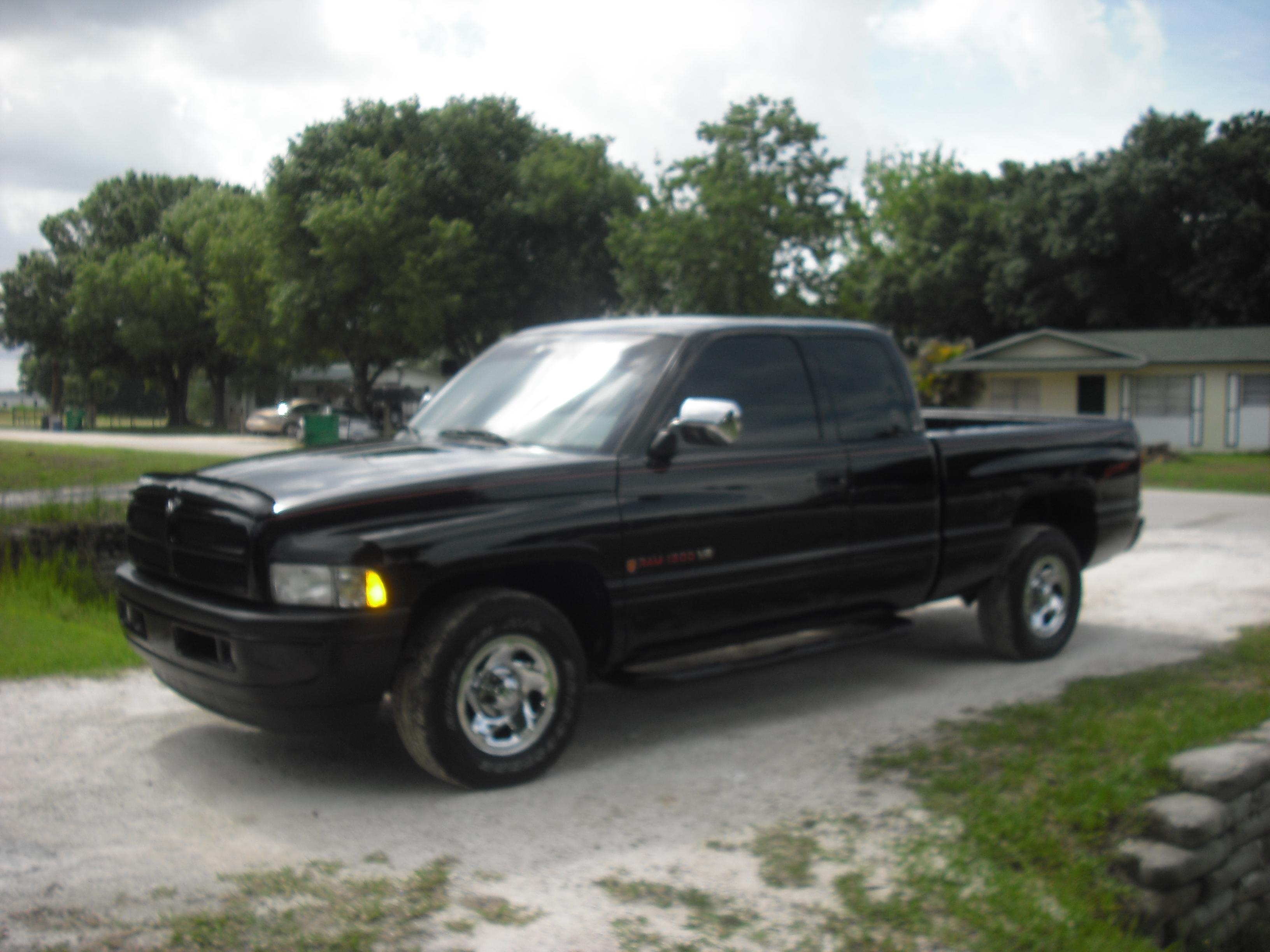 ridinnaram 1996 dodge ram 1500 regular cab specs photos modification info at cardomain. Black Bedroom Furniture Sets. Home Design Ideas