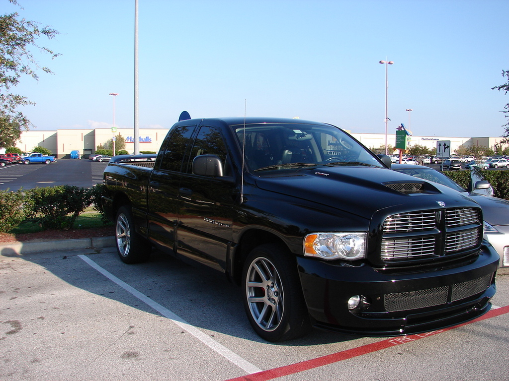 hostilehouston 2005 dodge ram srt 10 specs photos. Black Bedroom Furniture Sets. Home Design Ideas