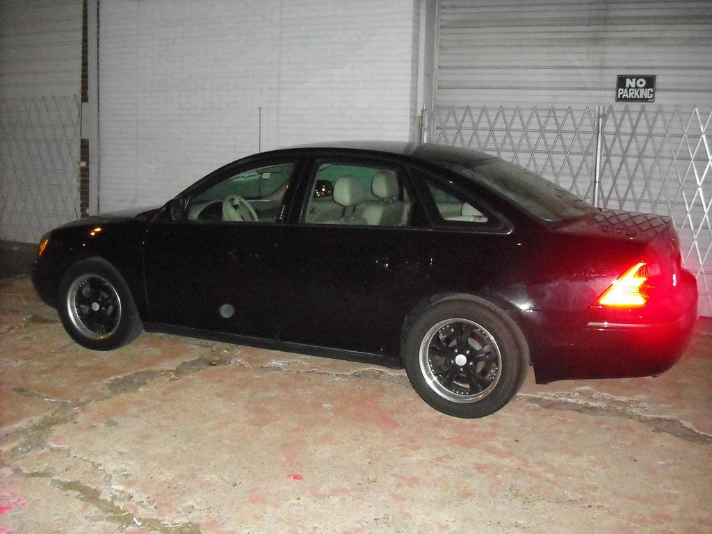 rmhall72 2006 Ford Five Hundred 12374469