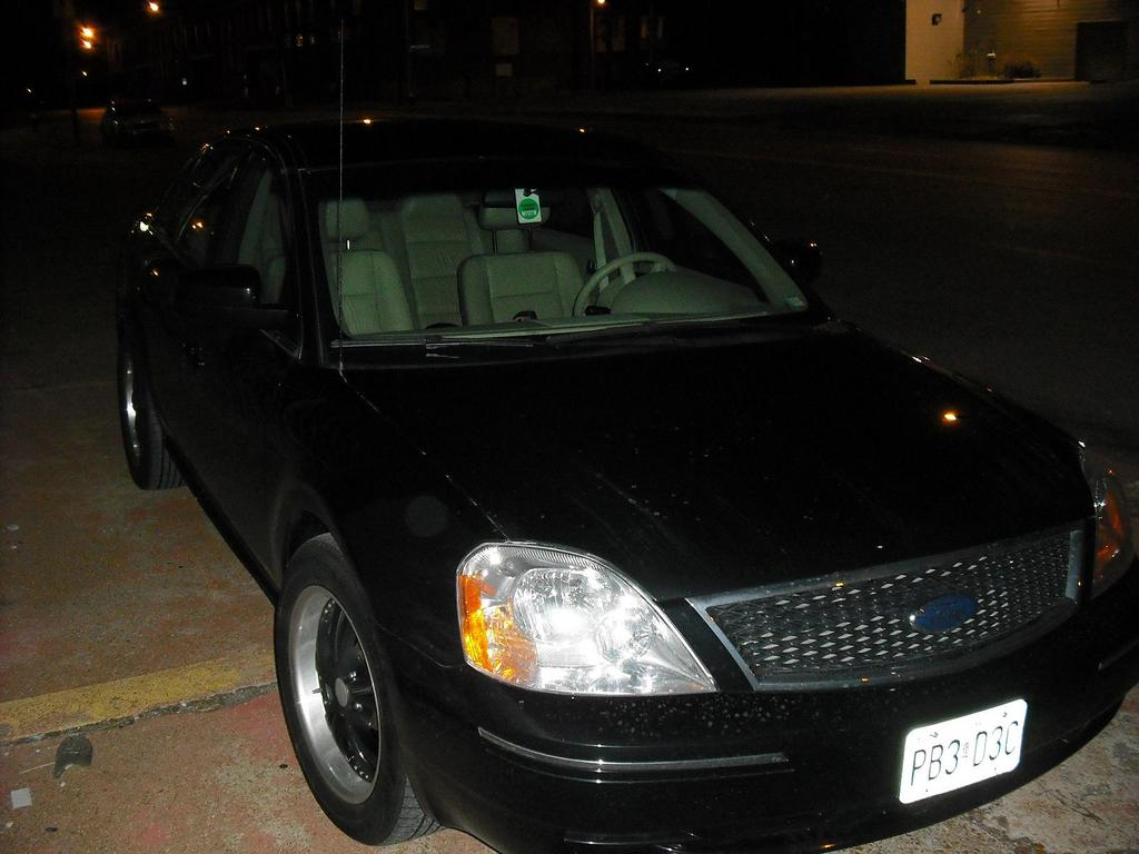 rmhall72 2006 Ford Five Hundred 12374471