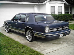 JOHNNYJUICEs 1991 Lincoln Town Car