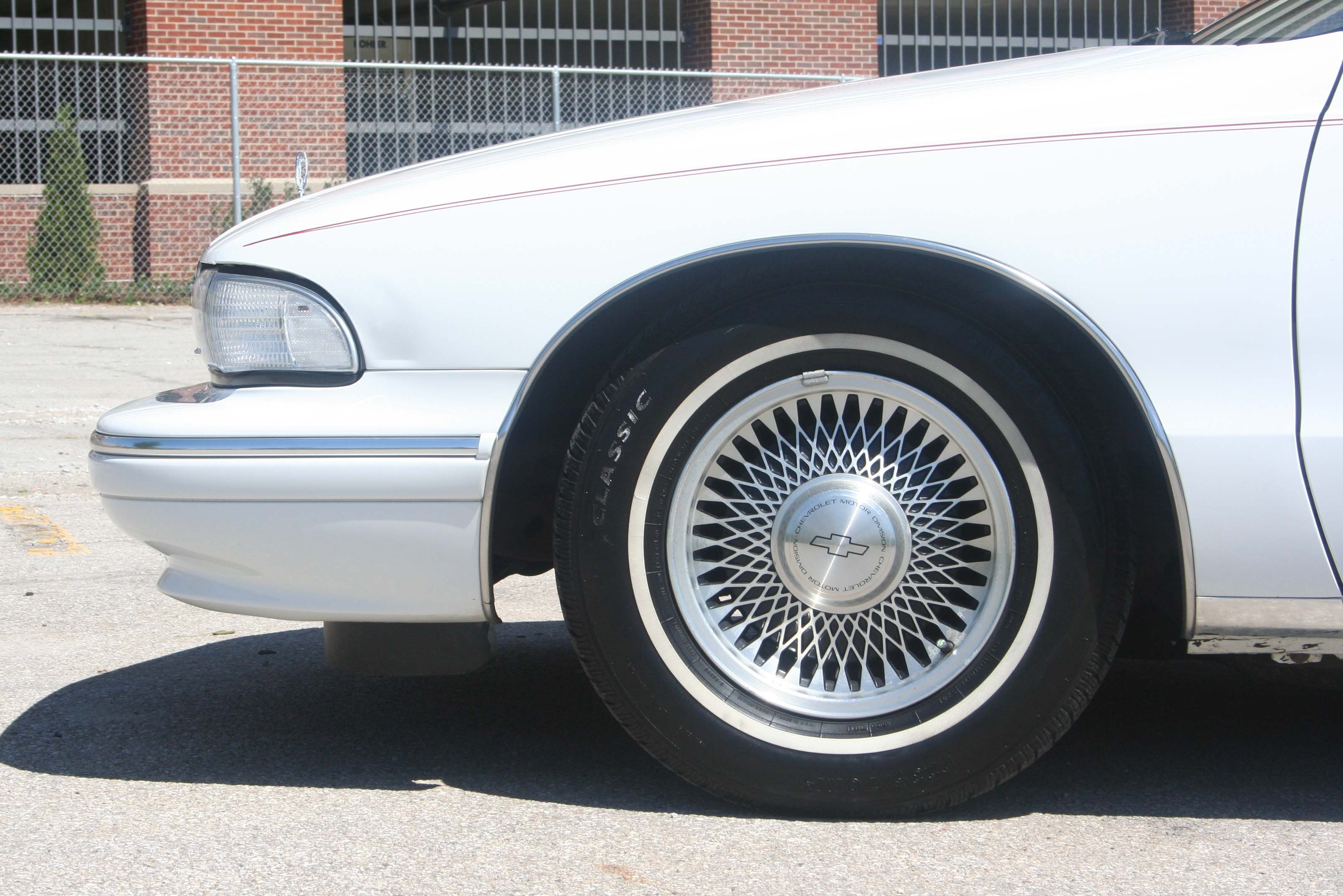 Another old_skool_royale 1996 Chevrolet Caprice post... - 12559594
