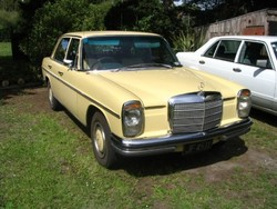 DustyNZ 1972 Mercedes-Benz 200D