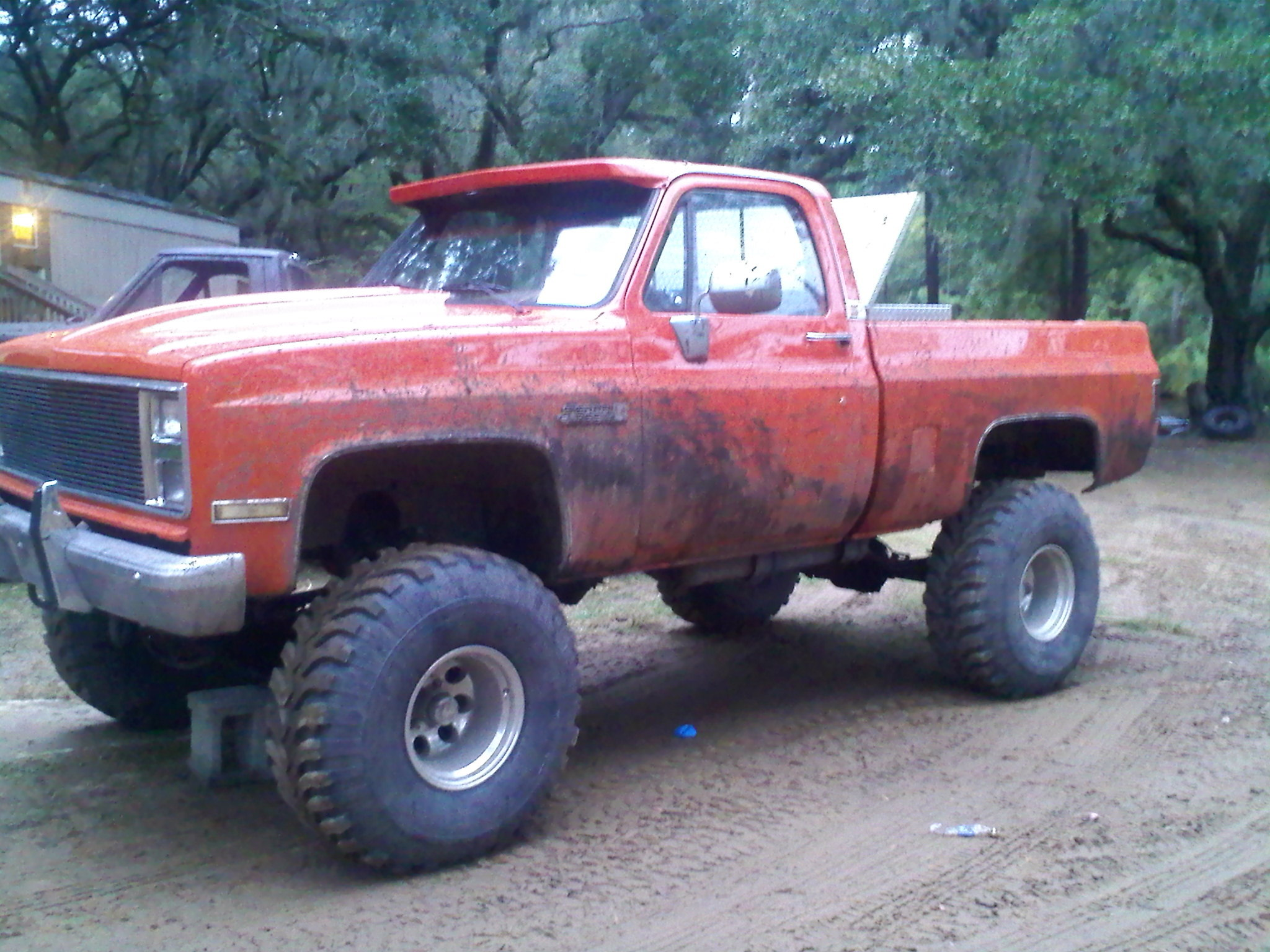 Another partyboi_1986 1985 GMC K15/K1500 Pick-Up post... - 12417940