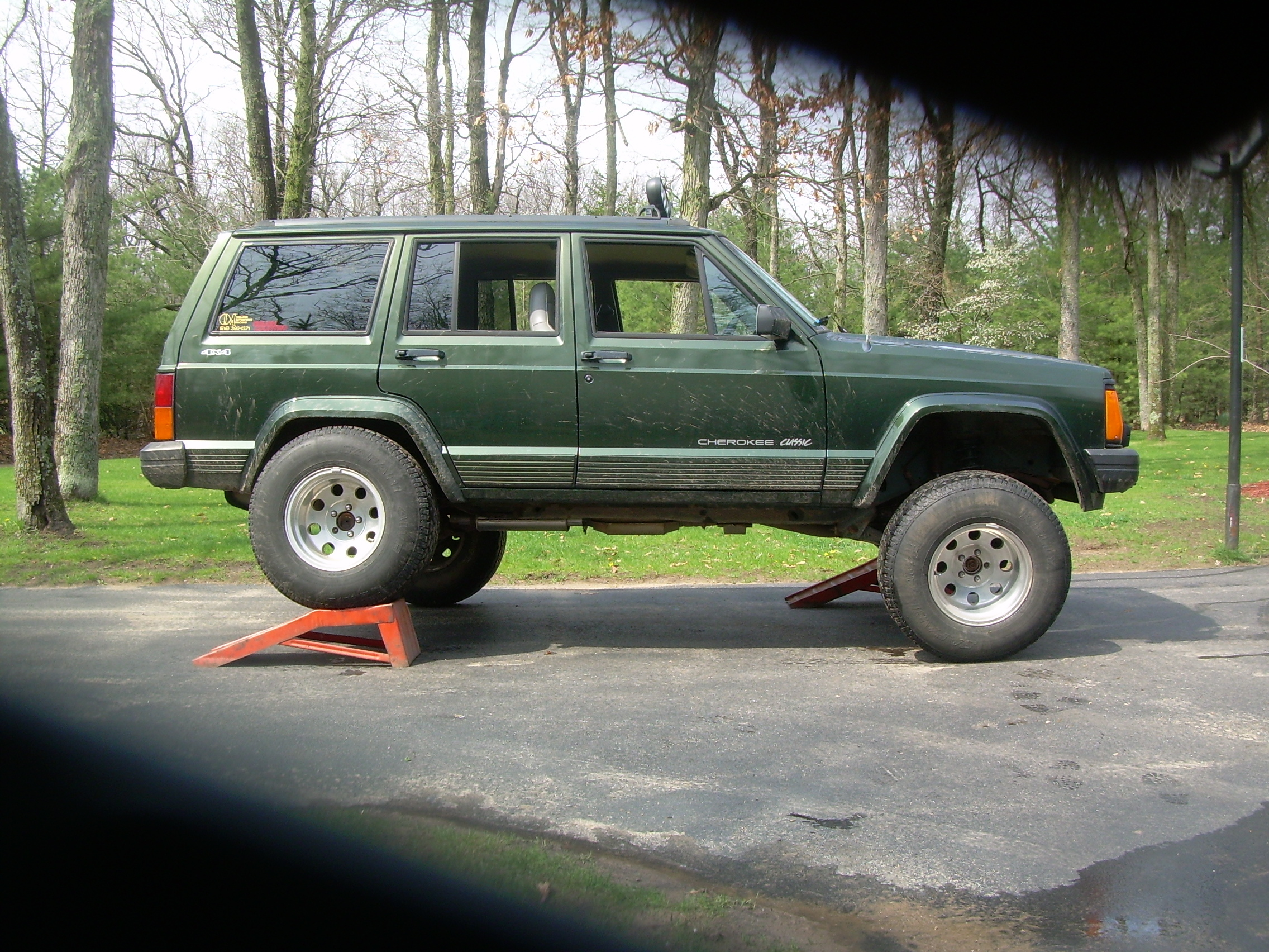 2015 jeep cherokee page 2 release date price and specs. Black Bedroom Furniture Sets. Home Design Ideas