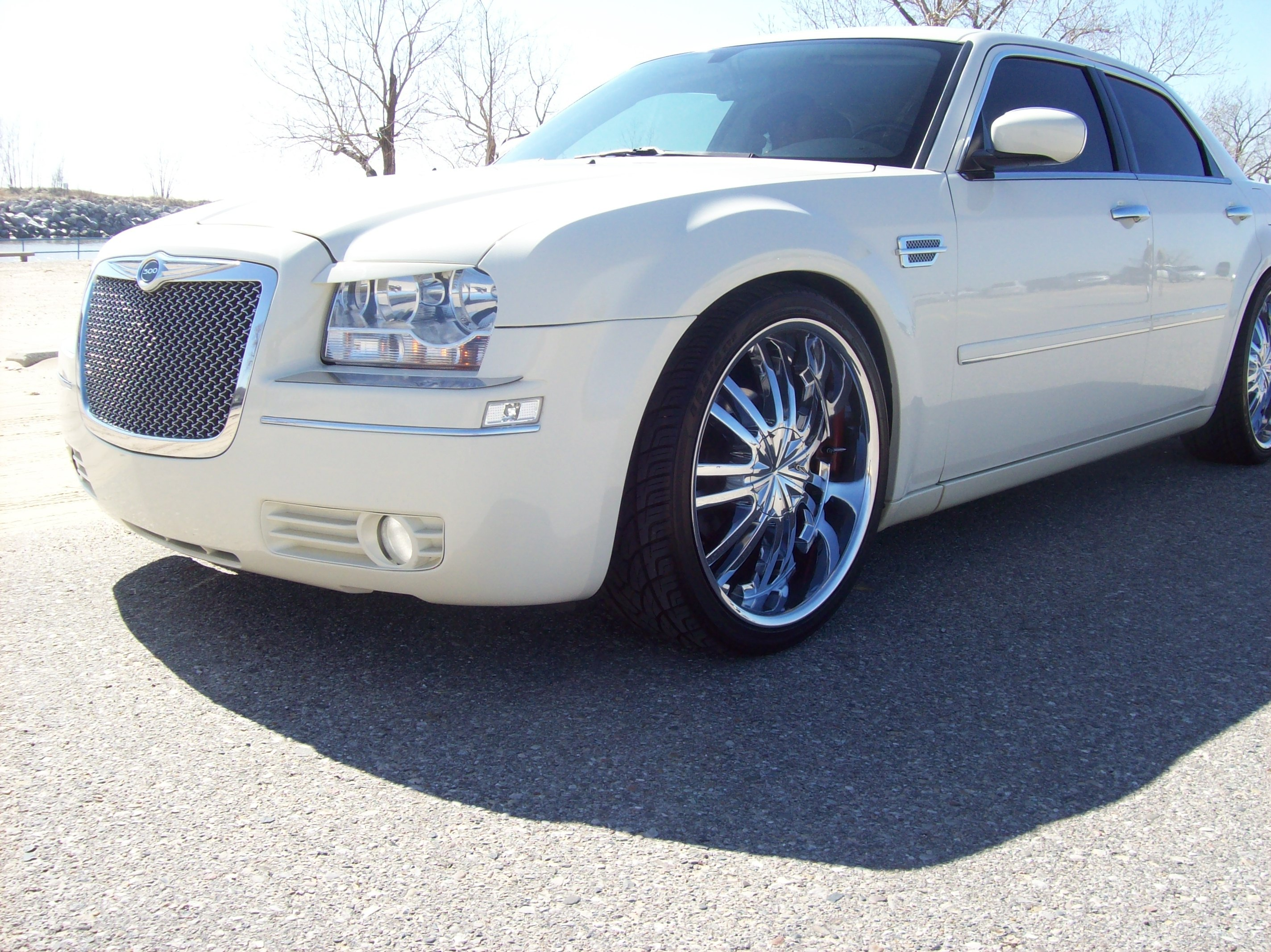 Another RayRod22s 2005 Chrysler 300 post... - 12425915
