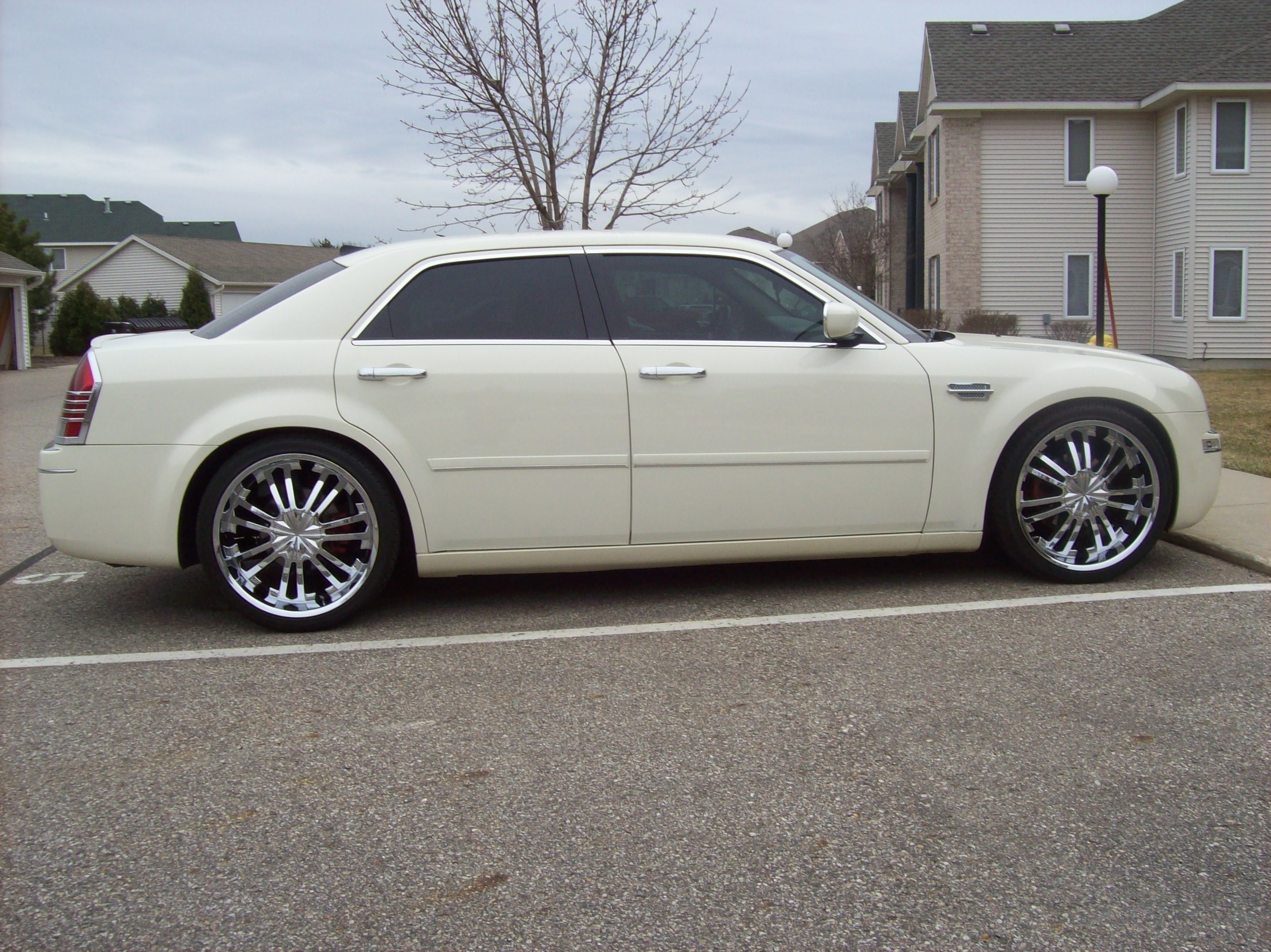 Another RayRod22s 2005 Chrysler 300 post... - 12425916