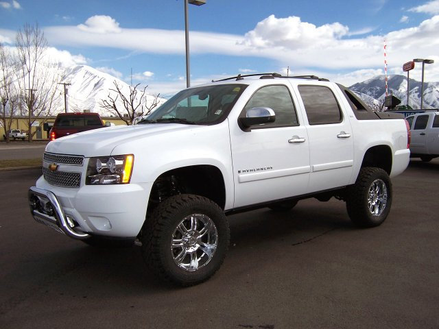 Mbking24 2009 Chevrolet Avalanche Specs Photos